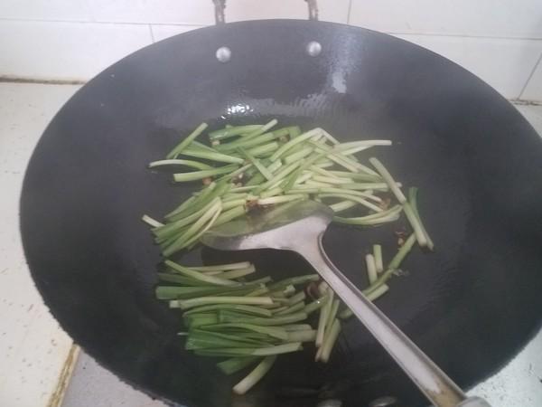 韭菜炒豆芽怎么炒