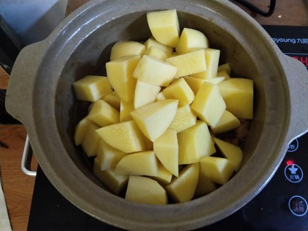牛腩焖土豆怎样炒