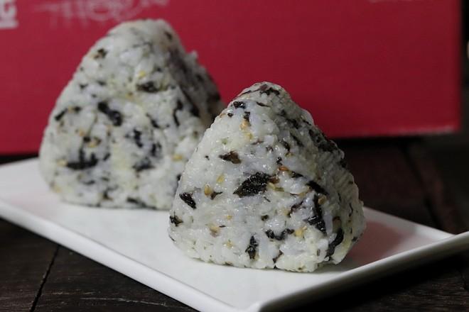 海苔肉松饭团怎样煸