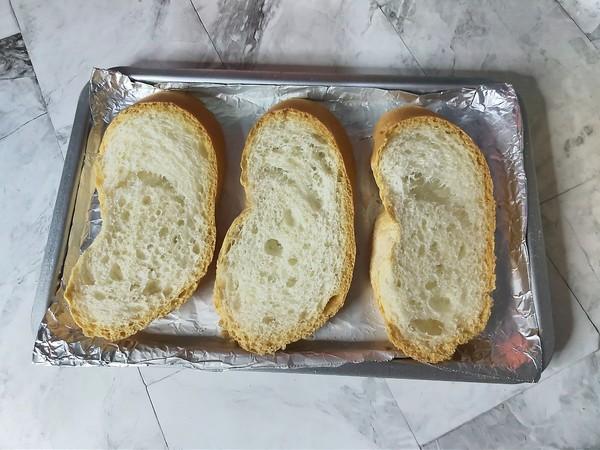 蒜香黄油烤法棍的步骤