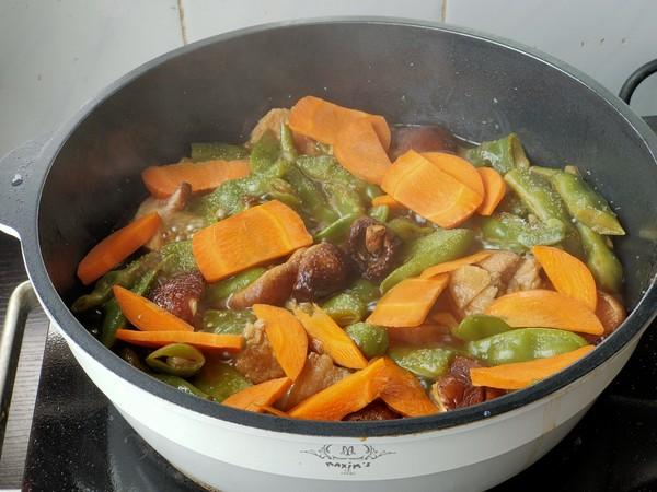 五花肉炖油豆怎么做