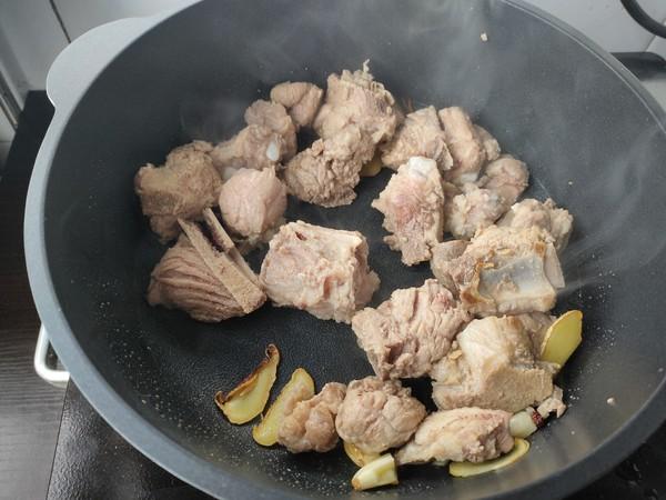 土豆香菇炖排骨怎么吃