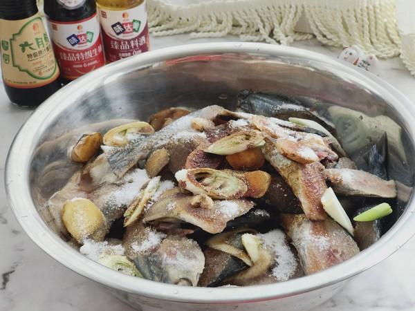 海边人必须的新年菜,熏鲅鱼,做法简单又好吃!的做法图解