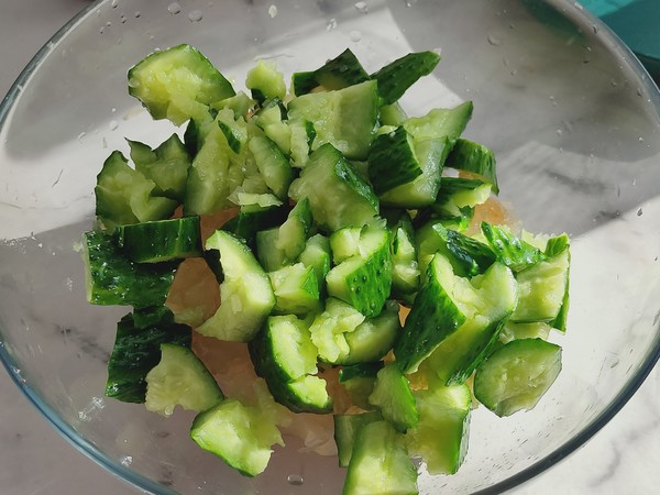 黄瓜拌海蜇头,健康低脂,清新爽口超好吃的步骤