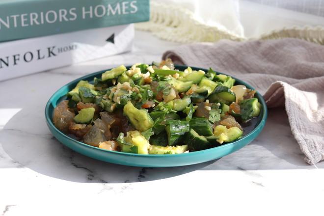 黄瓜拌海蜇头,健康低脂,清新爽口超好吃成品图