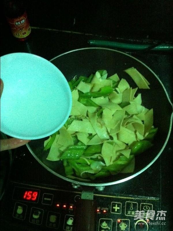 尖椒豆皮怎么吃