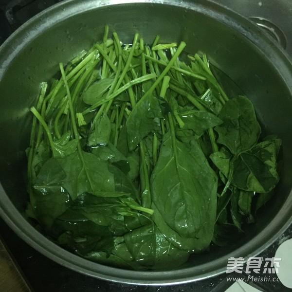 核桃仁拌菠菜怎么吃