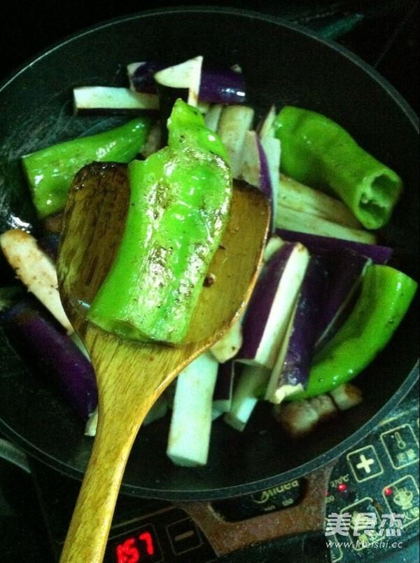 五花肉炖茄条怎么做