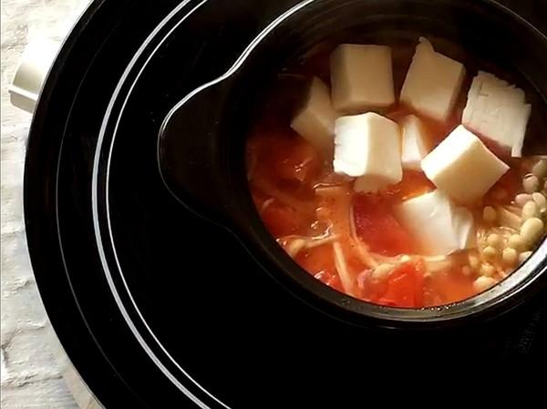 番茄金针菇豆腐怎么炒