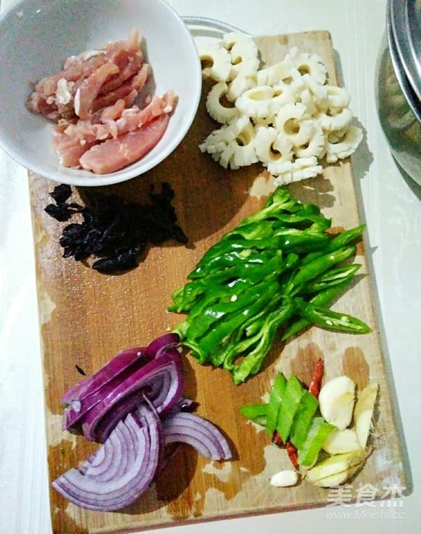 平菇鱿鱼炒肉丝的做法图解