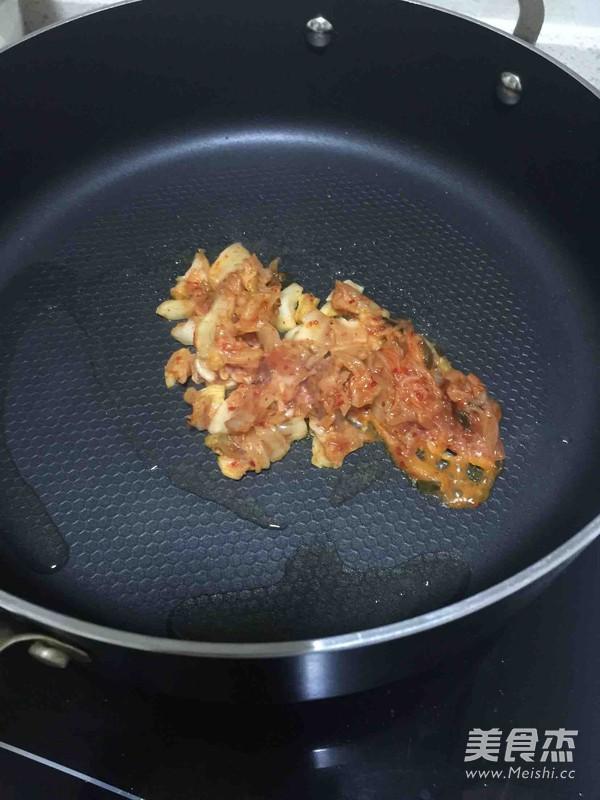 番茄酱炒年糕的家常做法