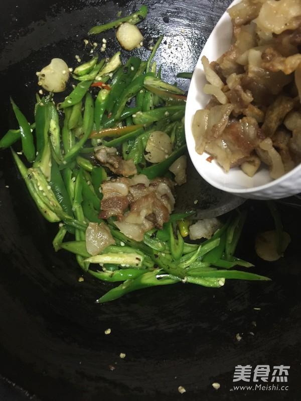 辣椒炒猪油渣怎么吃