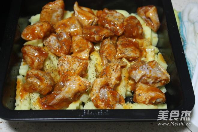 奥尔良鸡翅烤土豆怎么吃