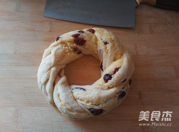 椰蓉蔓越莓花环面包的制作