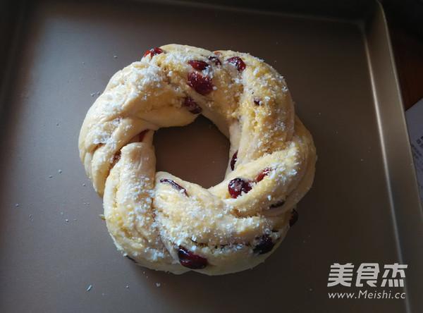 椰蓉蔓越莓花环面包的制作方法
