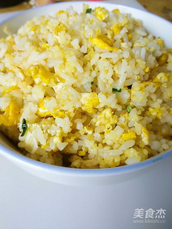 鸡蛋炒饭成品图