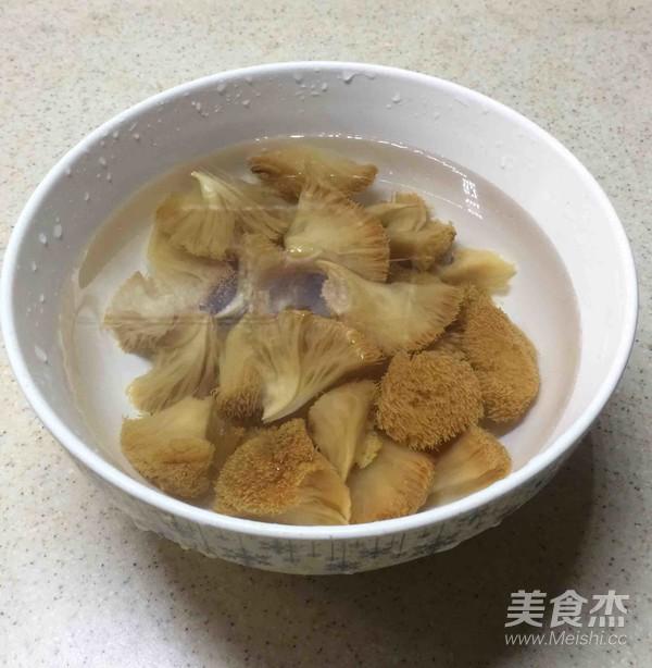 荷香蒸猴头菇鸡腿肉(附如何清洗猴头菇)怎么做