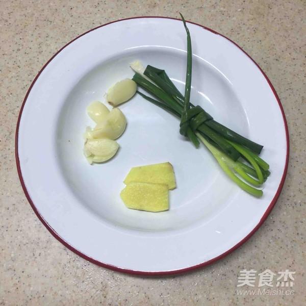 荷香蒸猴头菇鸡腿肉(附如何清洗猴头菇)怎样煸