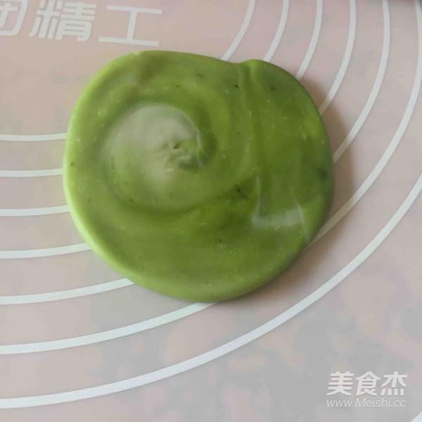 抹茶螺旋苏式月饼怎么煸
