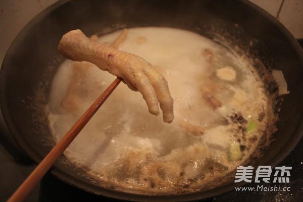 泡椒凤爪的家常做法