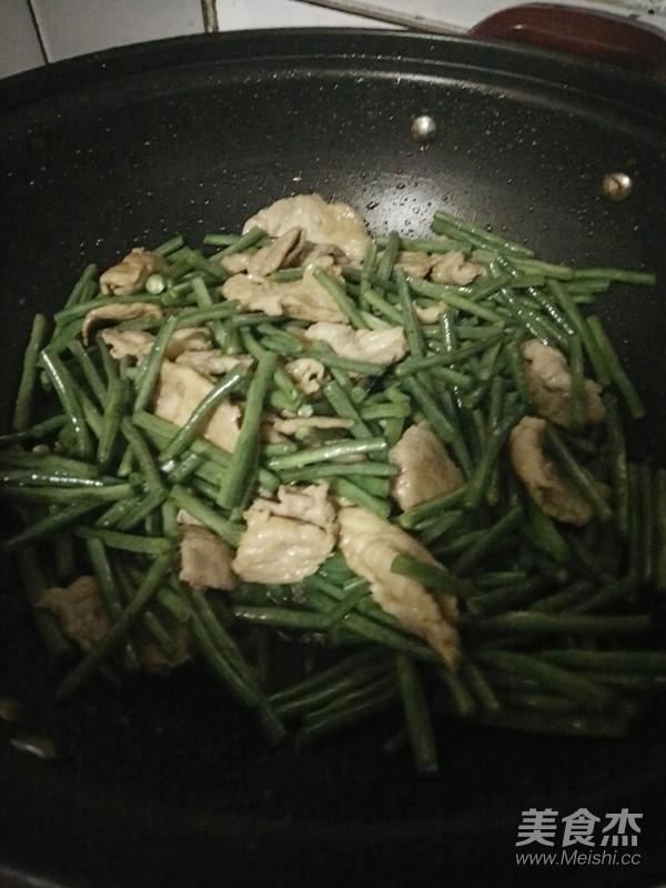 豇豆炒肉怎么吃