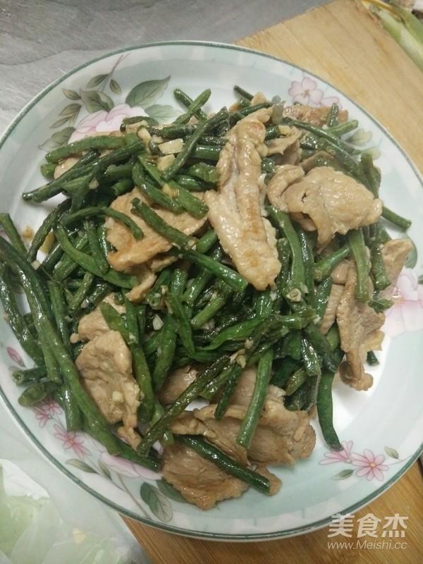 豇豆炒肉成品图