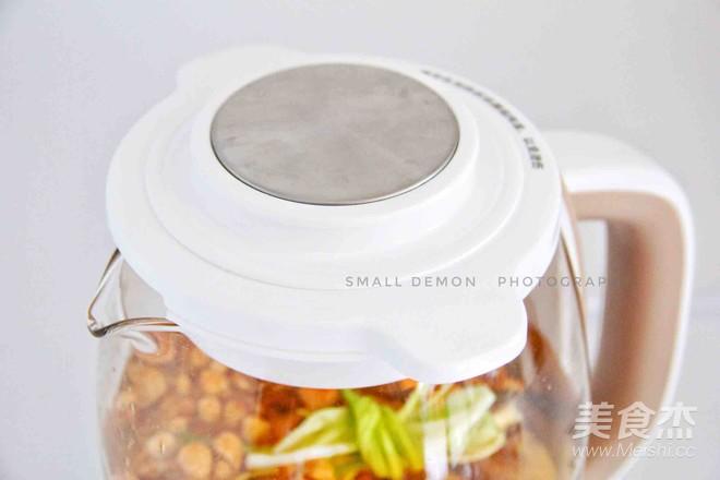 虫草花玉米排骨汤怎么做