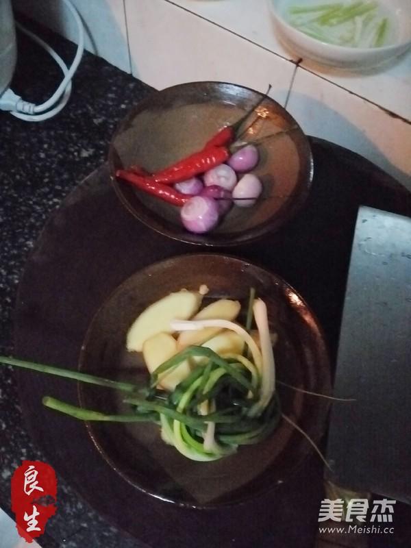 台式三杯鸡的家常做法