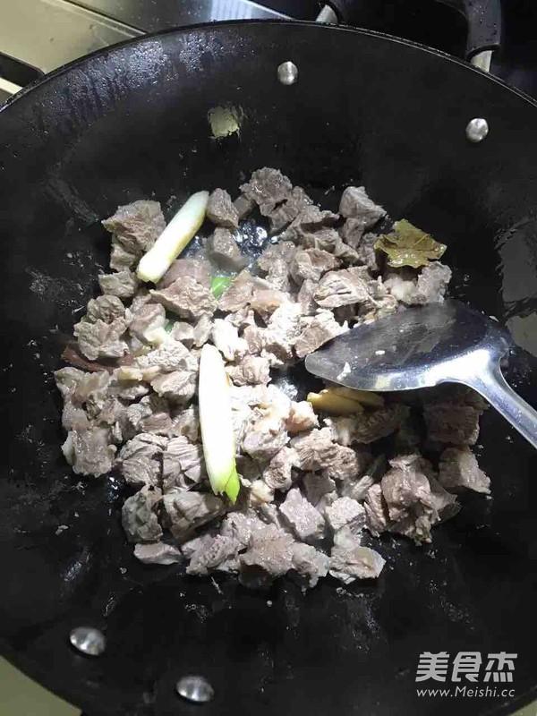 土豆牛腩怎么吃