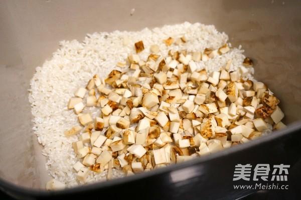 松茸烩饭配和牛卷的家常做法