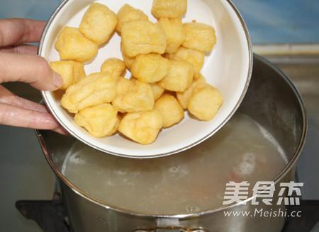 咖喱牛肉丸油豆腐粉汤怎么做