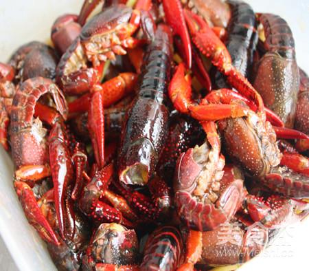 蒜香黄油烤小龙虾的简单做法