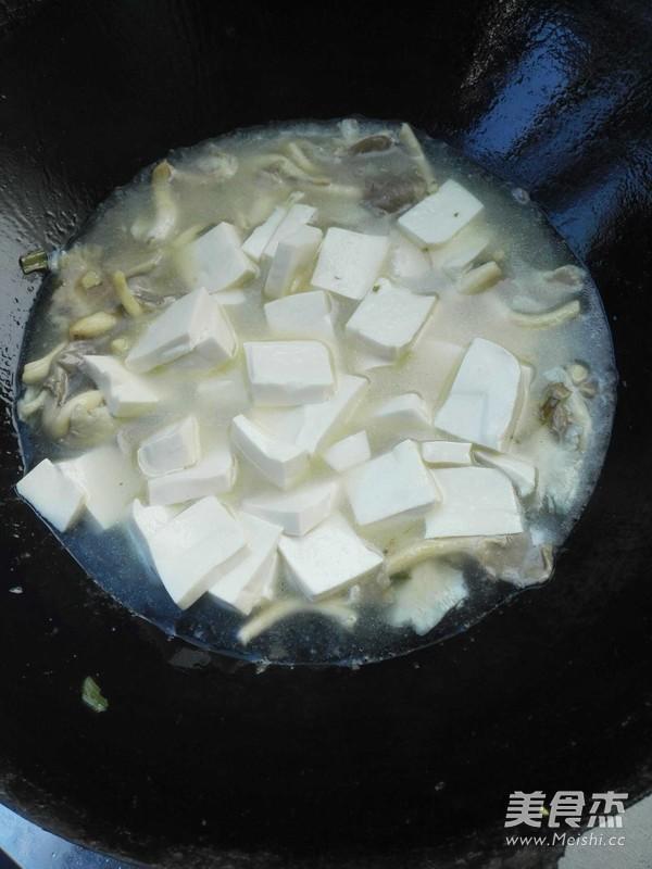 平菇炖豆腐的家常做法