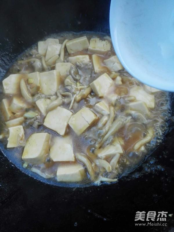 平菇炖豆腐怎么做