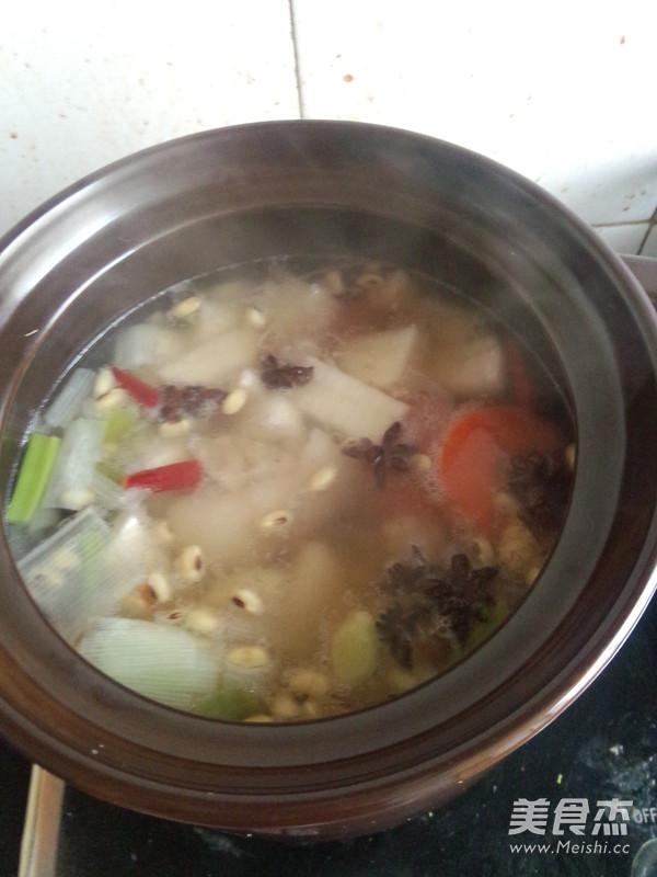 砂锅山药黄豆炖猪蹄怎么煸
