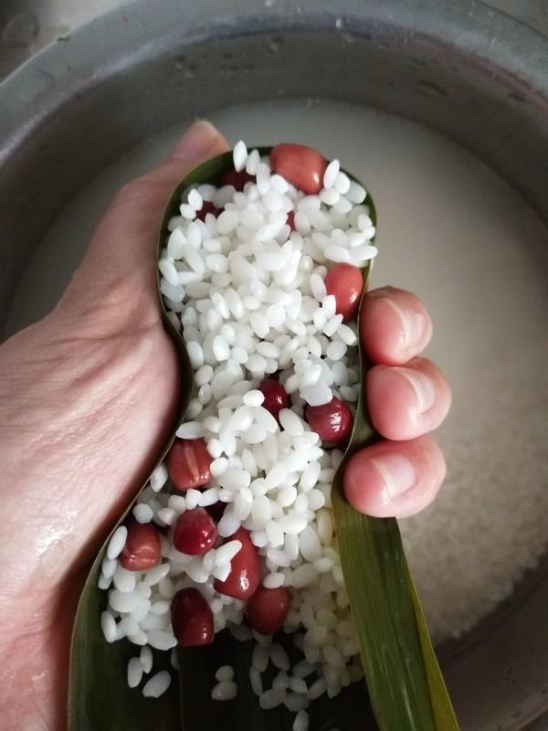 蜜枣红豆粽怎么吃