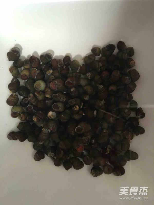 紫苏叶炒石螺的做法图解
