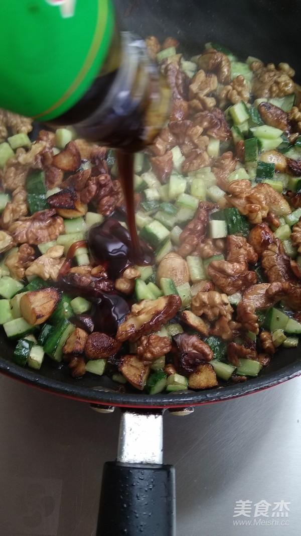 蚝油蒜香核桃仁怎么煮
