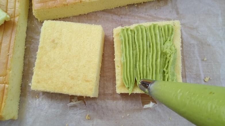 鳄梨夹心蛋糕的制作