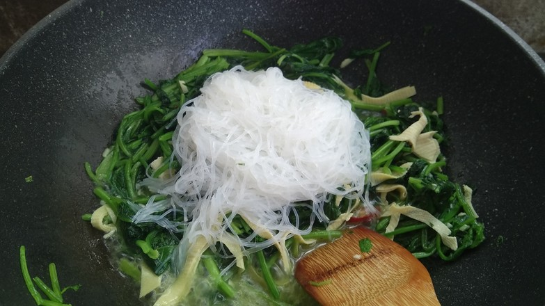 菠菜豆皮炒粉丝怎么煮