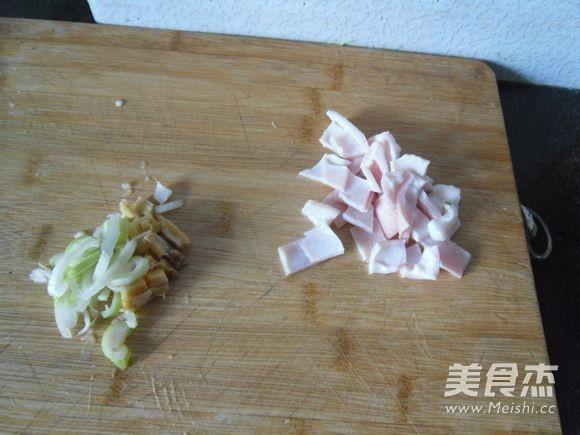 肉皮烧黄豆芽的家常做法