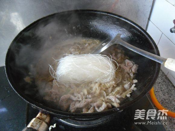 酸菜炖粉丝怎么煮
