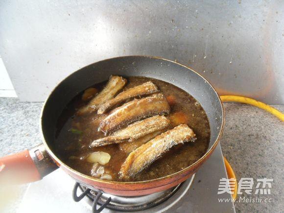 红烧带鱼怎么煸
