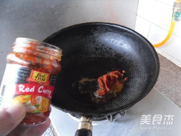 红咖喱烧菜花的家常做法