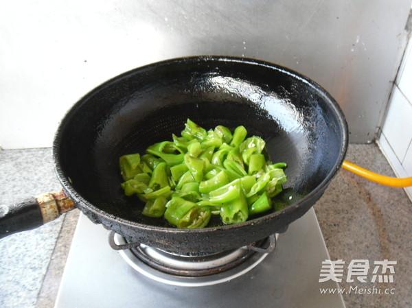 青辣椒炒鲜贝怎么吃
