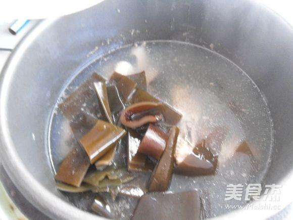 鸭件煲海带怎么煮