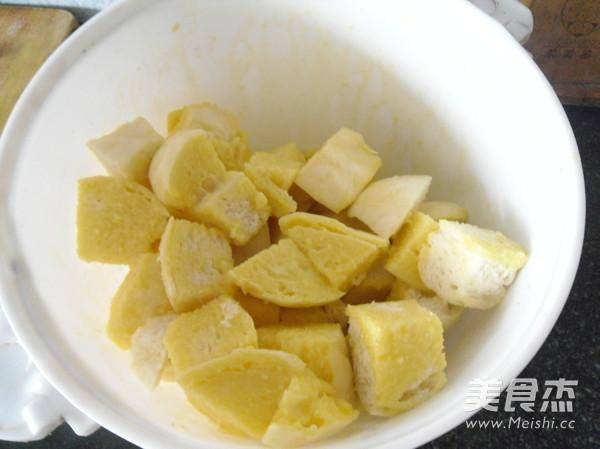 煎炒馒头丁的简单做法