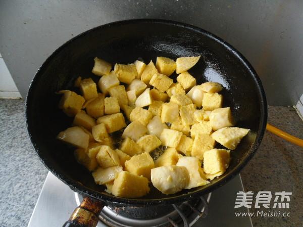 煎炒馒头丁怎么做