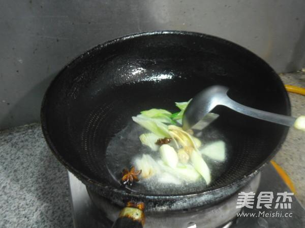 土豆烧鸡肉怎么炒