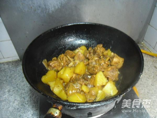 土豆烧鸡肉怎样煮